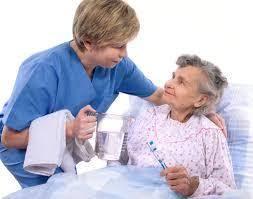 Cuidadora de ancianos con experiencia