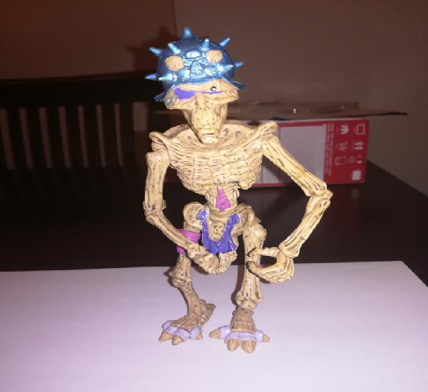 Esqueleto guerrero figura de accion muerte viviente