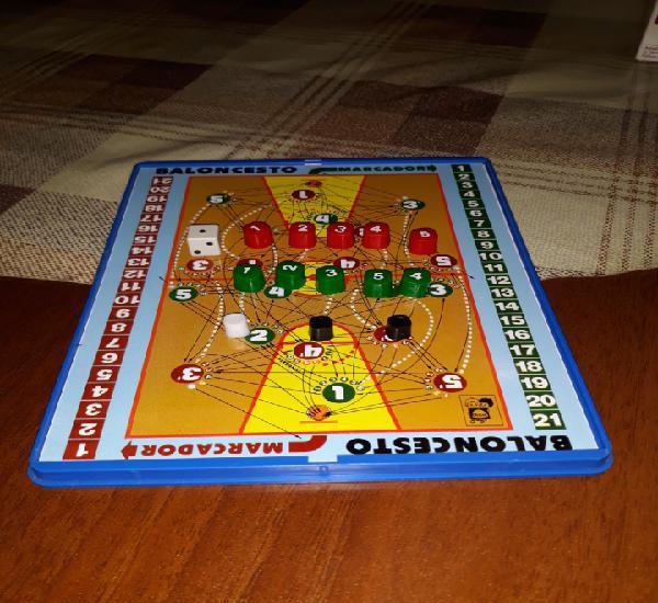 Juguetes y juegos.
