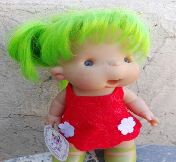Muñeca onil pelo verde, nines d'onil