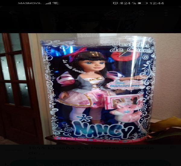 Nancy blancanieves, vestidos de cuento, en su caja sin abrir
