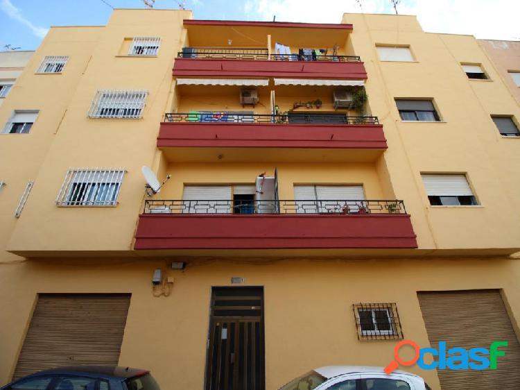 Piso de 4 dormitorios completamente reformado en El Ejido. El mas barato! 1