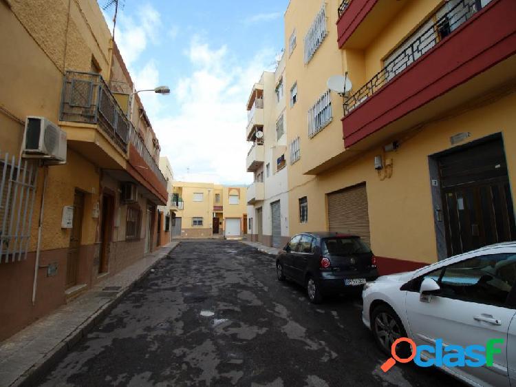 Piso de 4 dormitorios completamente reformado en El Ejido. El mas barato! 2