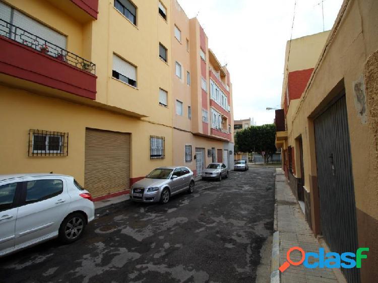 Piso de 4 dormitorios completamente reformado en El Ejido. El mas barato! 3