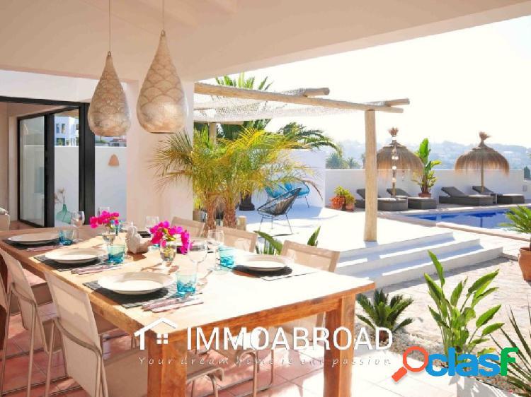 Chalet en venta en Benissa con 3 dormitorios y 2 baños 1