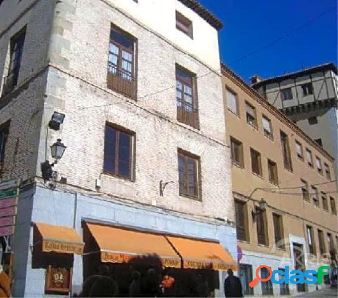 ¡¡ gran oportunidad !! espléndida oficina acondicionada como vivienda en el centro del casco histórico de toledo