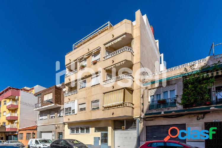 Piso en venta de 58m²en Calle San Pascual, 03181 Torrevieja, Alacant. 1