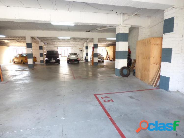 Garaje en venta con plazas de párking y trasteros en venta en navarcles