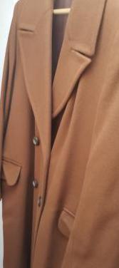 Abrigo marrón de mujer, talla 42.