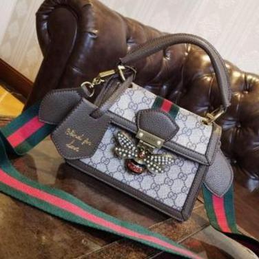 Gucci - bolso de piel con abeja