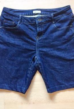 Pantalón tejano corto. mujer. talla 40