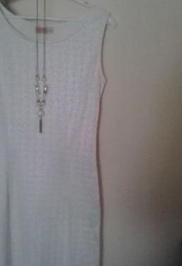 Vestido precioso blanco roto
