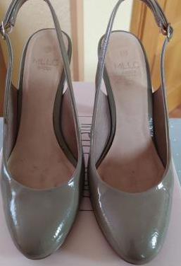 Zapatos mujer charol beige