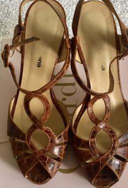 Sandalias piel marrónes