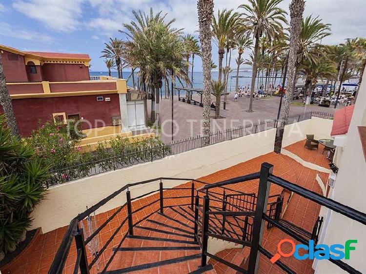 Villa con vistas al mar, primera línea en playa de las américas - en venta