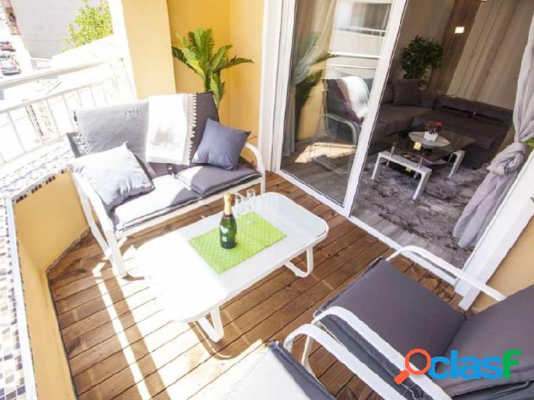 Apartamento completamente reformado. cerca de playa los locos. con gran kichen skandinavian