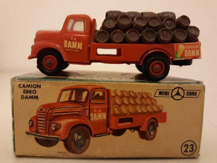 Minicars anguplas camión ebro damm con caja.