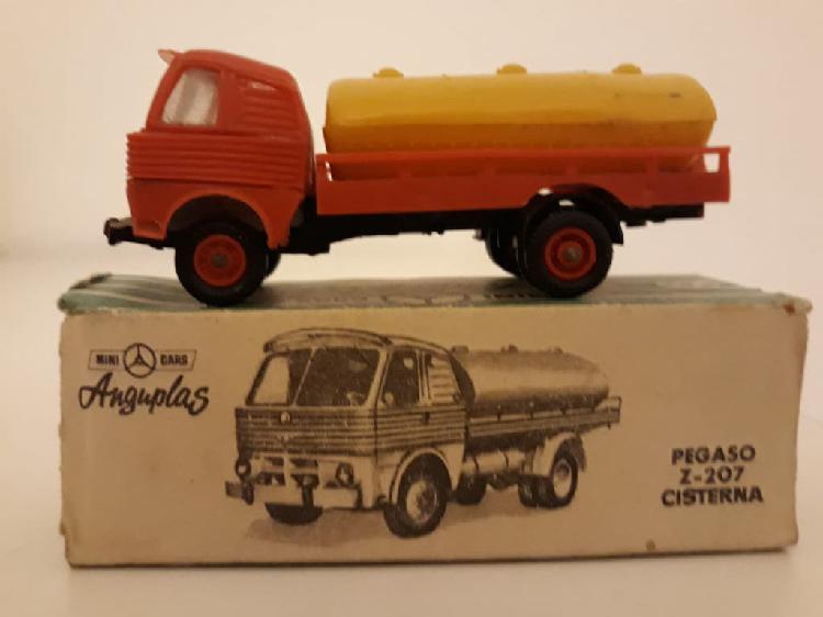 Minicars anguplas pegaso z-207 cisterna con caja.