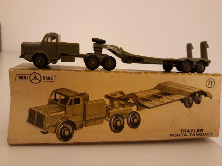 Minicars anguplas trayler porta-tanques con caja.