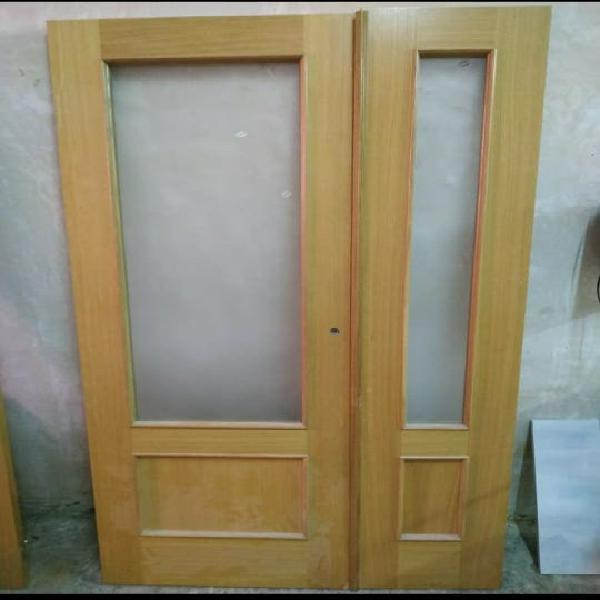 Puerta salón doble hoja y puerta cocina