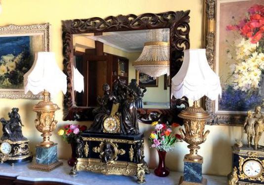 Lámparas en bronce dorado y mármol