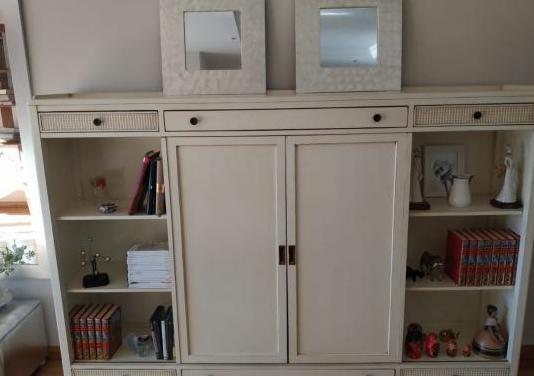 Mueble tv oculta madera cerezo