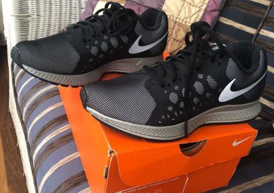 Nike pegasus y brook ghost por las dos 80