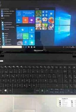 Windows 10, con 1000 gigas disco, ram 4 gigas