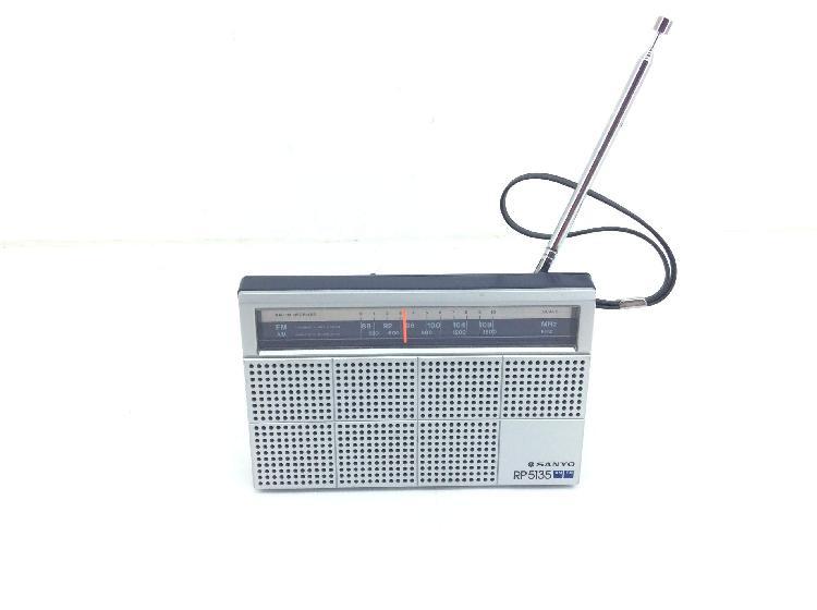 Radio portatil sanyo rp5135