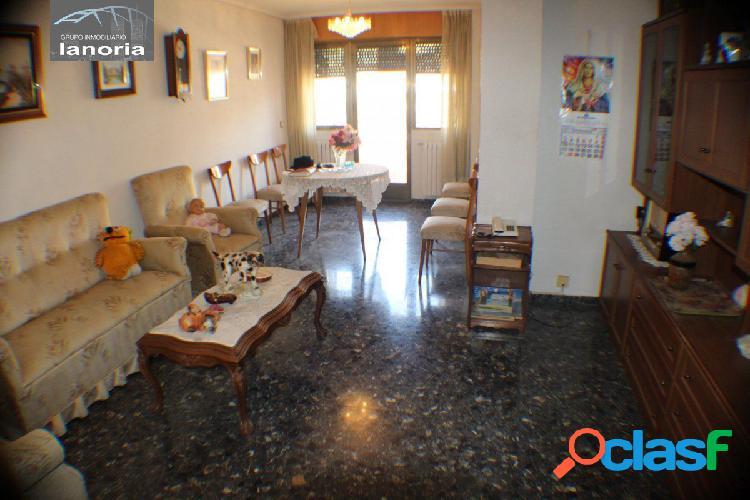Lanoria vende piso grande 4 dormitorios, salon, cocina, 2 baños, garaje y trastero