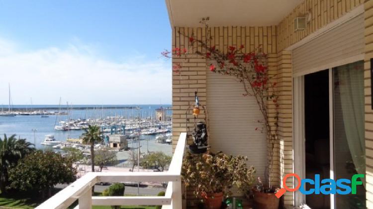 Precioso apartamento con vistas laterales al mar en torrevieja, 150m play acequión.