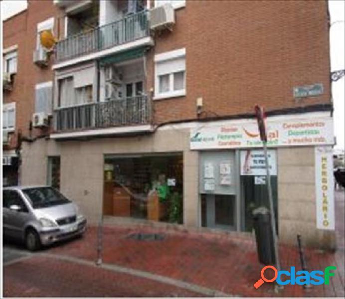 Local comercial en venta en calle sierra vieja, zona villa de vallecas, 28031 madrid.