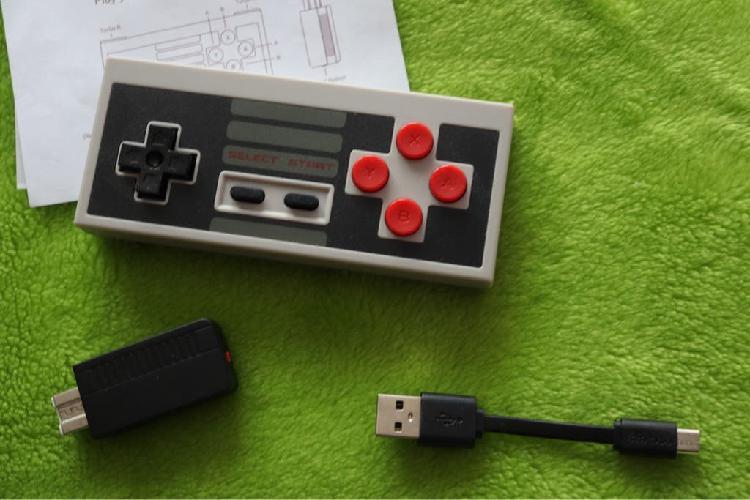 8bitdo NES30 y adaptador inalámbrico NES MINI