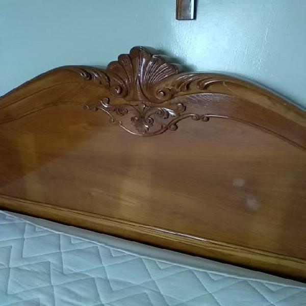 Cama de madera de castaño 1,35