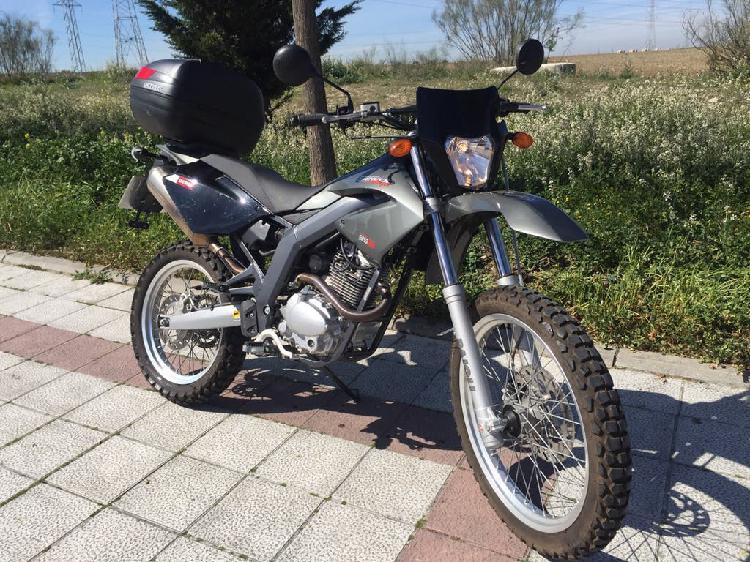 Derbi senda baja 125cc enduro solo 580km año 2010