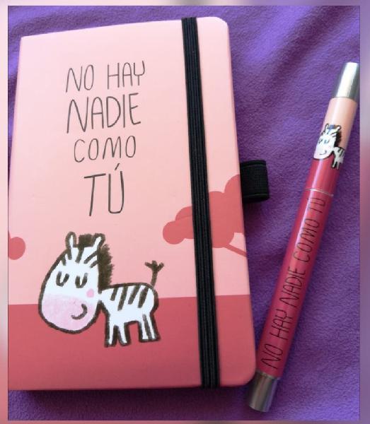 Libreta y bolígrafo a juego nuevo sin usar
