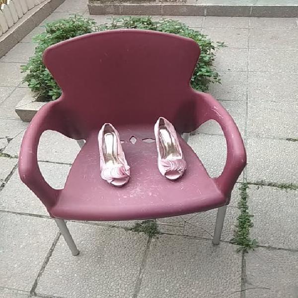 Zapatos de mujer de fiesta.