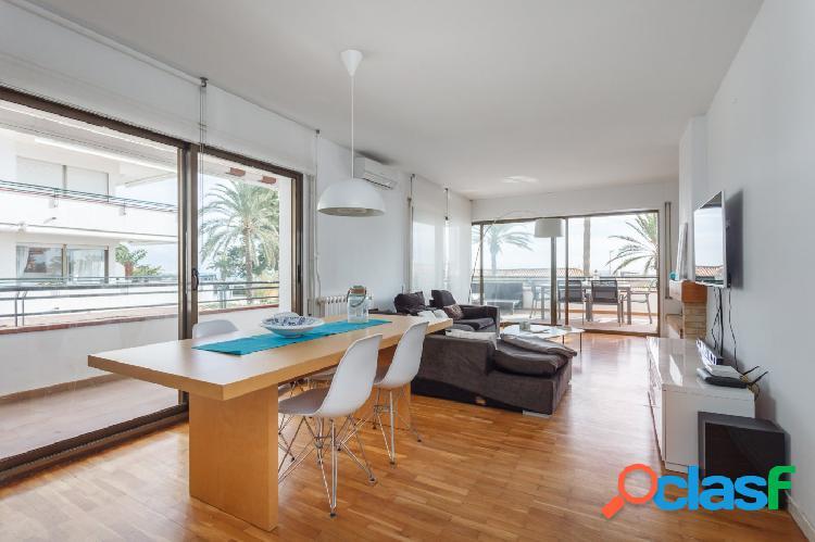 Espectacular apartamento en primera línea de mar