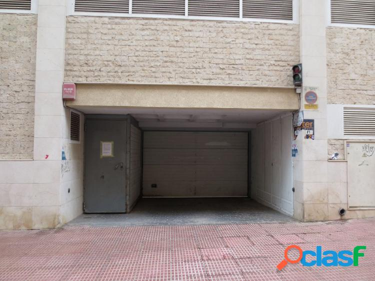 Plazas de parking en playa de levante