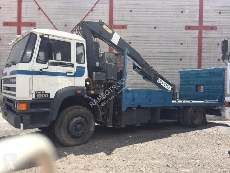 Camión daf portamáquinas 1900 4x2 diesel grúa usado