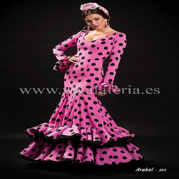 Traje de gitana modelo arahal rosa chicle de son-mm