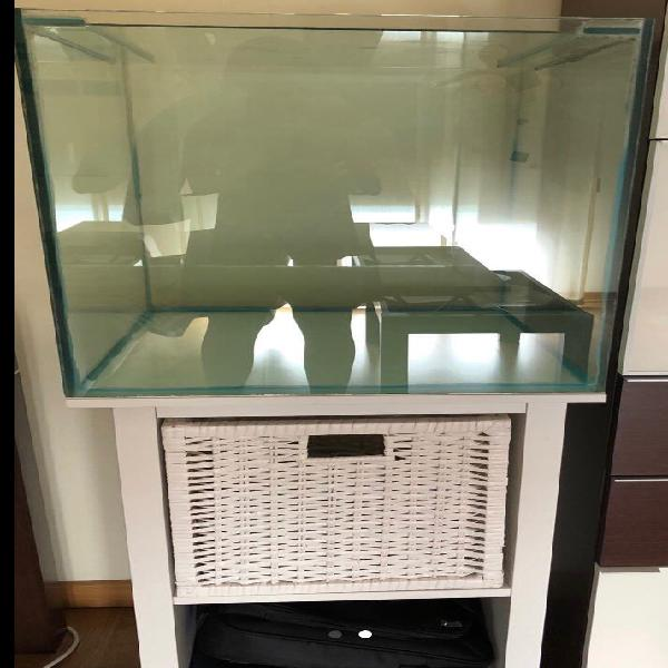 Acuario cubo 100 litros con mesa