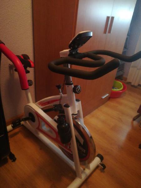 Bicicleta y cinta andadora