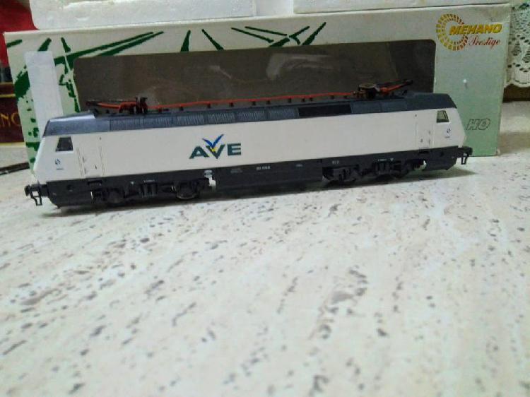 Locomotora renfe 252 ave alterna mehano h0