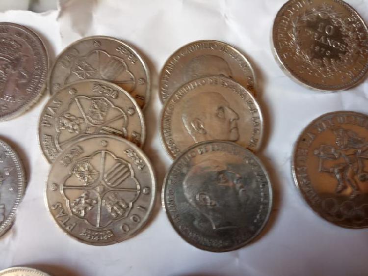 Monedas de 100 pesetas de franco.