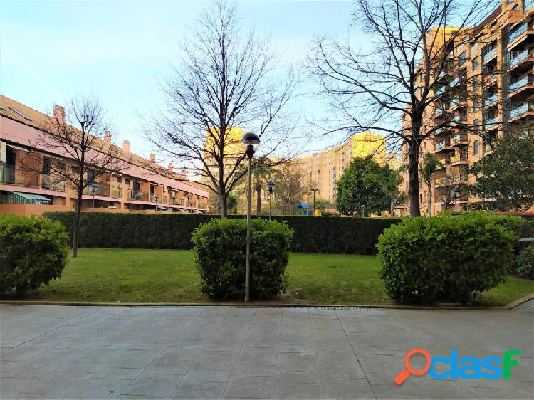 """""""piso seminuevo en residencial zona alfahuir con plaza de garaje y trastero incluidos en el precio"""""""