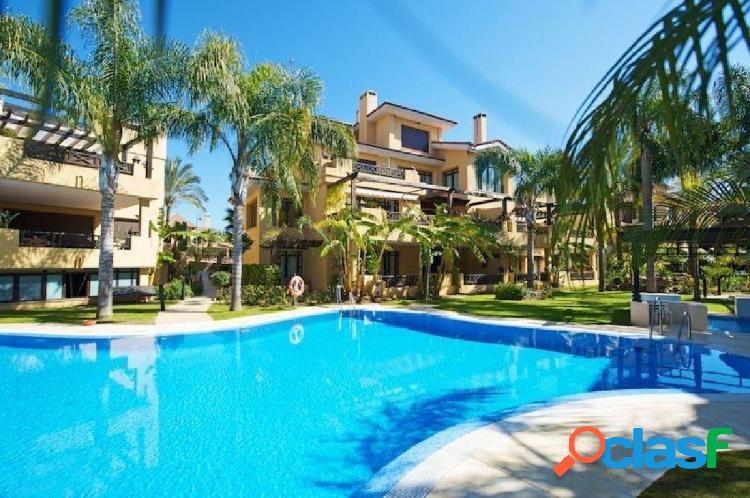Oportunidad bancaria - apartamento en bahía banús, junto a la playa mistral - puerto banús.