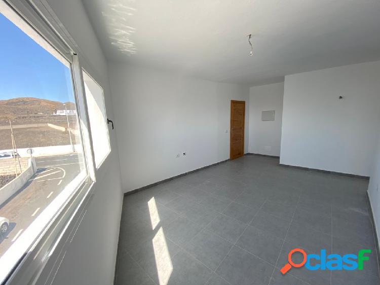 Amplio piso a reformado en san bartolome