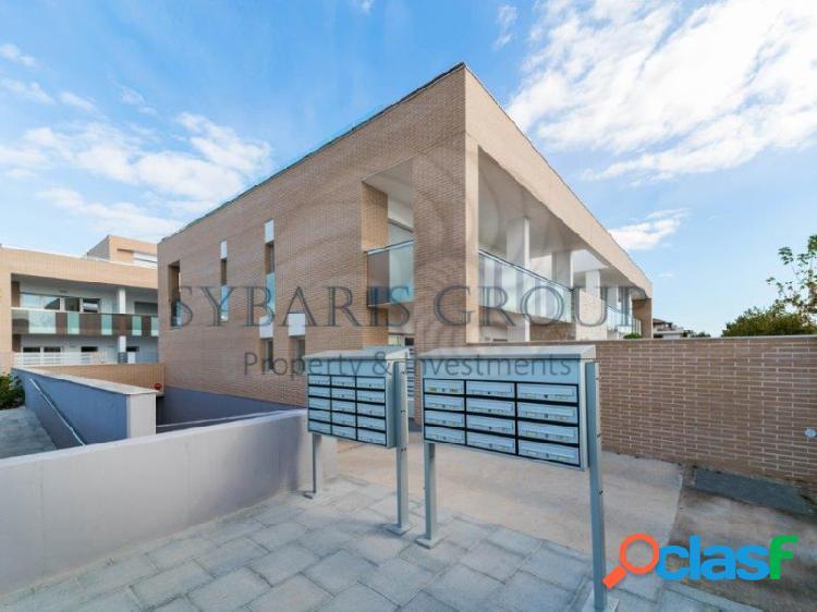 Atico 2 habitaciones, plaza parking y trastero incluido, a estrenar en javea, marina alta, alicante