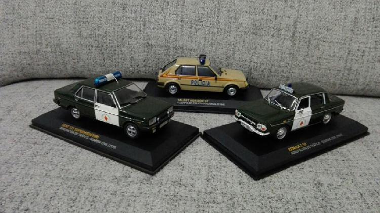 3 coches de policia renault 10 guardia civil trafi